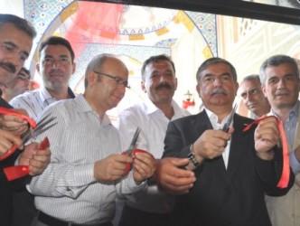 """""""BAKAN YILMAZ ALAPLI'DA CAMİİ ACILIŞI YAPTI"""""""