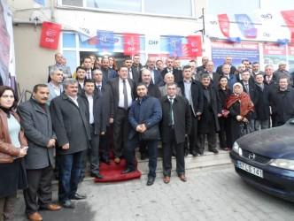 AK PARTİ'DEN CHP SEÇİM BÜROSUNA ZİYARET