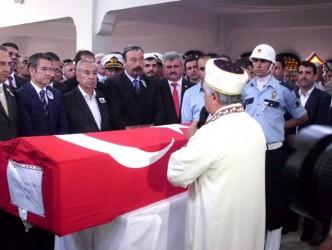 ÇATUROĞLU'NDAN ŞEHİT POLİSE SON GÖREV