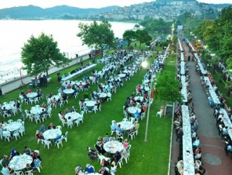 3500 KİŞİYE İFTAR VERİLDİ